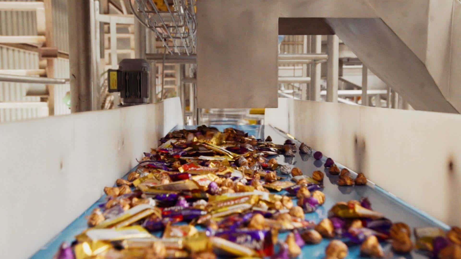 Candy-conveyance-and-logistics-06